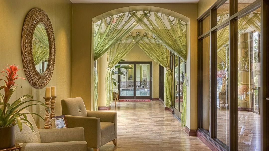 hotel-389256_1280